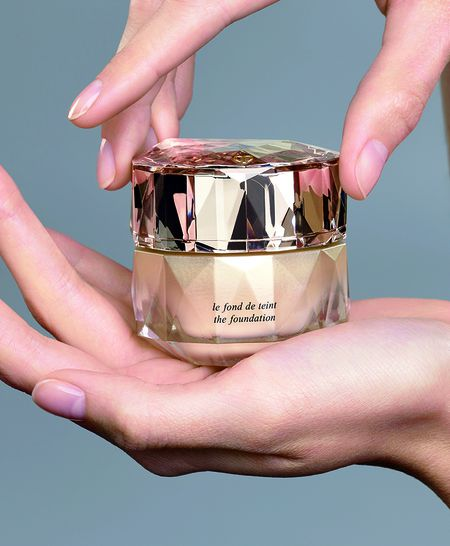 Can canh hu kem nen dat nhat the gioi: The Foundation cua Cle de Peau Beaute - Anh 6