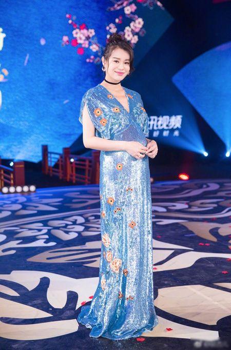 Ho Hanh Nhi giu ve ngoai cuon hut 'giai doan cuoi thai ky' - Anh 4