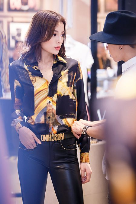 Ky Duyen chon trang phuc chuan bi tham du Milan Fashion Week - Anh 5