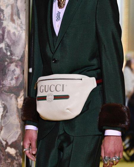 Tuong rang da nang cap level do hieu, ai ngo lai ro nghi van Son Tung dung tui Gucci fake - Anh 4