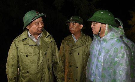 Thu tuong: Viec dau tien la khong de nguoi dan 'man troi, chieu dat' - Anh 1