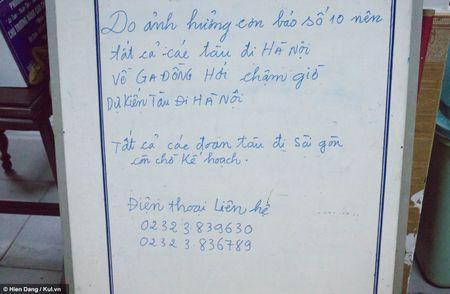 Quang Binh: Dong Hoi vang ve, dieu tan sao tran can cua bao so 10 - Anh 1