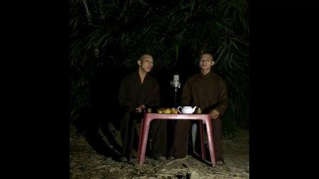 Hai su thay hat bolero 'trieu view' tren YouTube tham gia thi gameshow khien dan mang phat cuong - Anh 1