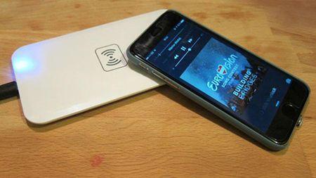 Cach chon bo sac khong day cho iPhone 8 hoac iPhone X - Anh 2