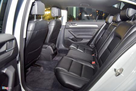 Volkswagen Passat phien ban moi canh tranh Camry, Mazda6 tai Viet Nam - Anh 12