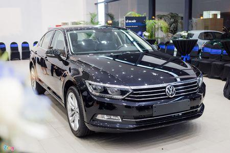 Volkswagen Passat phien ban moi canh tranh Camry, Mazda6 tai Viet Nam - Anh 1