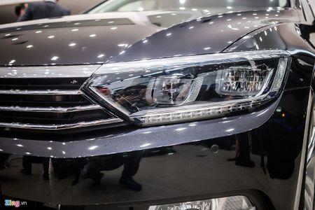 Volkswagen Passat phien ban moi canh tranh Camry, Mazda6 tai Viet Nam - Anh 3