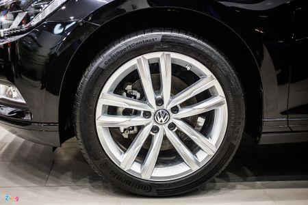 Volkswagen Passat phien ban moi canh tranh Camry, Mazda6 tai Viet Nam - Anh 4