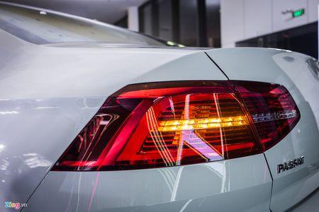 Volkswagen Passat phien ban moi canh tranh Camry, Mazda6 tai Viet Nam - Anh 6