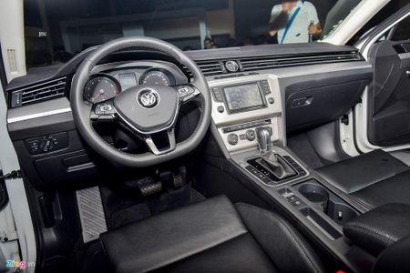 Volkswagen Passat phien ban moi canh tranh Camry, Mazda6 tai Viet Nam - Anh 7
