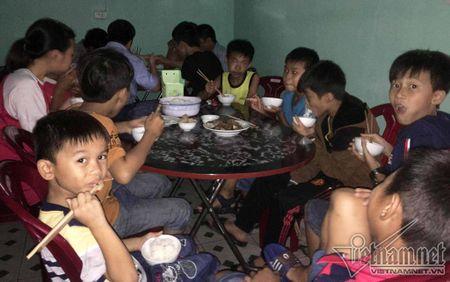 10 tieng giap mat mat 'sieu bao' tai Vung Ang - Anh 3