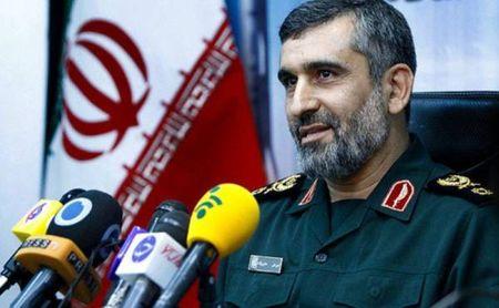 Iran doa tiet lo 'thong tin khien quan doi My nhuc nha' - Anh 1