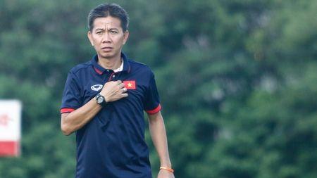 HLV Hoang Anh Tuan mo lap lai ky tich World Cup, U16 Viet Nam len duong hom nay - Anh 1