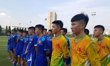 HLV Hoang Anh Tuan mo lap lai ky tich World Cup, U16 Viet Nam len duong hom nay - Anh 2
