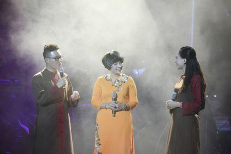 Ta Quang Thang, Ngoc Khue xuat hien an tuong trong dem nhac 'Tim Sen' - Anh 11