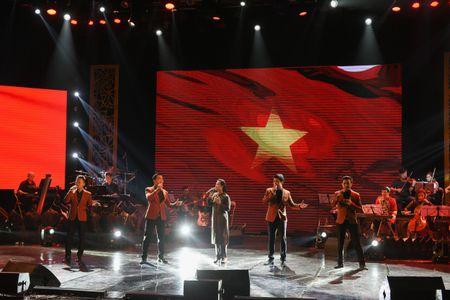 Ta Quang Thang, Ngoc Khue xuat hien an tuong trong dem nhac 'Tim Sen' - Anh 4
