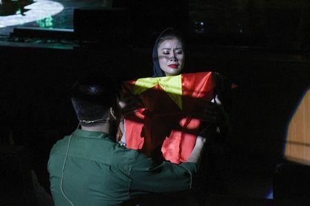 Ta Quang Thang, Ngoc Khue xuat hien an tuong trong dem nhac 'Tim Sen' - Anh 6