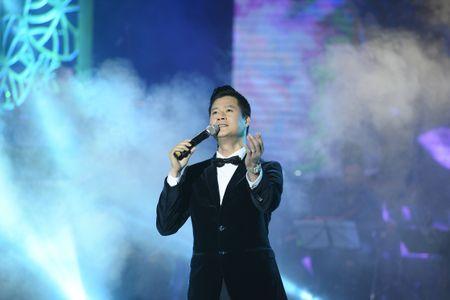 Ta Quang Thang, Ngoc Khue xuat hien an tuong trong dem nhac 'Tim Sen' - Anh 9