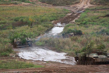 Binh si Nga-Belarus ram ro trien khai cuoc tap tran chung Zapad 2017 - Anh 1