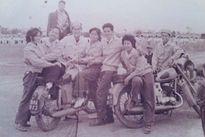"""Phong cách chơi xe """"cực chất"""" của người Hà Nội những năm 60"""