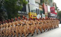 Nữ chiến sỹ xinh đẹp trong lễ diễu binh gây sốt mạng