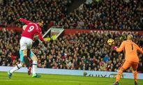 MU 1-1 West Ham: Mourinho bị đuổi lên khán đài (H2)