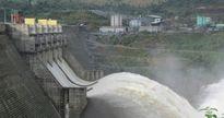 Mưa lớn, thủy điện Sông Tranh 2 xả lũ qua tràn 