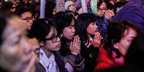 Giới trẻ đến tham gia lễ cầu an lớn nhất năm 2017