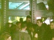 Những hình ảnh hiếm hoi của Seungri trong quán bar Hà Nội