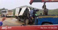 Xe khách đấu đầu xe tải, 1 người chết, hơn 10 người bị thương