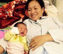 Bé trai nặng 6,1kg kháu khỉnh chào đời tại Nghệ An