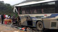 Xe khách đấu đầu xe tải, 1 người chết, 11 người bị thương