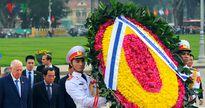 Hình ảnh: Tổng thống Israel vào Lăng viếng Chủ tịch Hồ Chí Minh