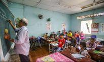 Ông giáo già 20 năm giúp hàng ngàn trẻ nghèo thoát cảnh mù chữ