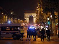 Tấn công khủng bố ở Paris: 3 người thương vong, lộ diện tay súng khủng bố