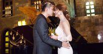 Lâm Khánh Chi xinh đẹp, khóa môi chồng soái ca trong bộ ảnh cưới