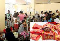 Ăn kẹo của người lạ mặt, 59 người nhập viện cấp cứu