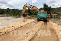 Tước giấy phép doanh nghiệp ngăn sông khai thác cát