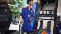 Giá xăng tăng hơn 300 đồng một lít từ 15h