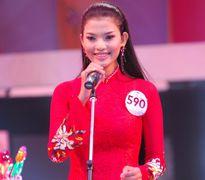 Tuổi 18 tươi trẻ, ngây thơ của Trương Thị May tại Miss Photo 2006