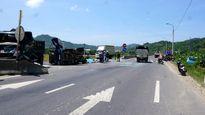 Xe khách chở hàng chục người gây tai nạn liên hoàn, tài xế tử vong