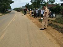 Băng qua đường, trẻ 3 tuổi bị xe tải cán tử vong
