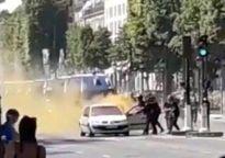 Tấn công khủng bố ngay sát dinh Tổng thống Pháp
