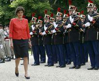 Bộ trưởng Quốc phòng Pháp từ chức sau 1 tháng nắm quyền