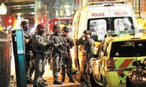 Trụ vững dù khủng bố