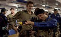 Thích như lính Singapore lên tàu sân bay Mỹ tập bắn