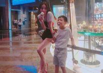 Hồ Ngọc Hà 'quậy tưng' cùng con trai Subeo ở Las Vegas
