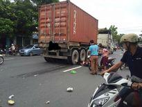Thai phụ tử vong thương tâm dưới bánh xe container