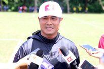 Thầy trò HLV Hữu Thắng lại đối mặt nỗi lo thời tiết và sân bãi ở TP.HCM