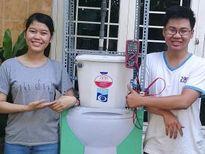 Tạo điện chiếu sáng từ… nước thải nhà vệ sinh